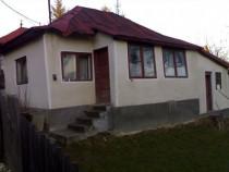 Casa 3 camere Str Rihard Campulung Zona Linistita
