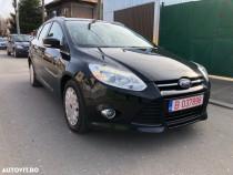 Ford focus 3,bi-xenon,navigatie,climatronic dublu,lumini led