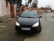 Ford Focus 2000 1.6 benzina pret negociabil