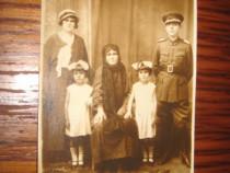 Militar cu familia-carte postala veche inainte de razboi.