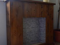 Semineu decorativ din lemn