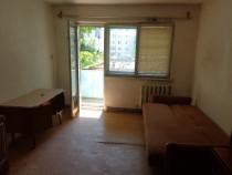 Apartament 2 camere semidecomandat, etaj 1 colibitei
