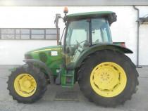 Tractor John Deere 5100M