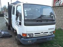 Cabină Nissan Cabstar 110 3.0TD din 2001