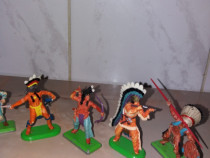 Figurine cawboi si indieni de plastic