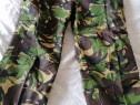 Pantaloni militari