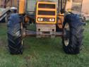 Tractor 4x4 Renault