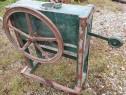Masina manuala de porumb, veche, reglabila, stare f buna