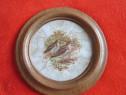 Ceramica vintage,rama lemn-rotunda,pictata-pasari-cadou ined
