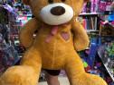 Ursulet de plus urs mare si alte jucarii