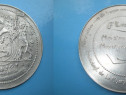 Medalia Edmund Leburton Belgia in metal alb.