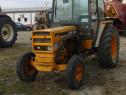 Tractor Renault 652