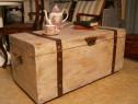 Cufar vechi din lemn masiv reconditionat (Mobila/Lada zestre