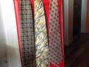 Diferite cravate barbatesti aproape noi