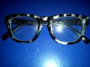 Ochelari, trendy strett wear cu lentlile de sticla
