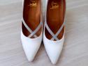Pantofi stiletto albi Christian Louboutin replica