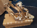 Sandale cu toc culoare auriu mas.38
