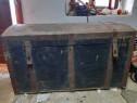 Cufar vechi de lemn