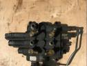 Distribuitor fata buldo Case 580SR 590SR 87434769