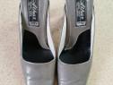 7 perechi de pantofi de femei