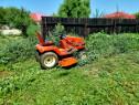 Tractoras pt tuns iarba Kubota diesel în 3 cilindri