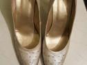 Pantofi piele aurii