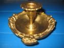Sfesnic mic bronz masiv model baroc cu stativ, stare buna.