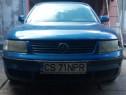 Dezmembrez Volkswagen Passat 1,6 benzina an 1998