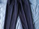 Pantaloni din stofă