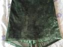 Fusta catifea verde smarald