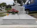 Realizam Monumente funerare din granit brut