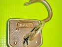 9732-Lacat vechi Burg Germany functional metal stare F.B.