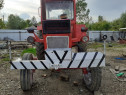 Tractor cu plug