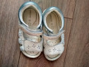 Sandale piele albe Geox marime 25, 15.5cm