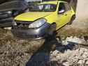 Dezmembrez Renault Clio 3 1.2i 2009