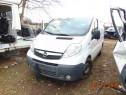 Dezmembrez Opel Vivaro 2.0cdti euro 5 Renault Trafic motor 2