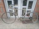 Bicicleta semi cursa se afla într-o stare buna
