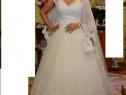 Rochie de Mireasă cu dantelă superbă alb imaculat !!!