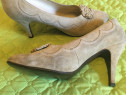 Pantofi dama din piele intoarsa lucrati manual