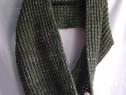 Fular tricotat circular, cu etichetă