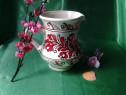 Cana ceramica floral rosie .