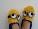 Papuci de casa adulti Minion crosetati manual masura 38