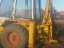 Schimb buldoexcavator cu autoturism