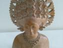 Statueta femeie