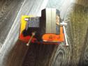 2 Menghine de calitate buna rotative cu deschidere de 6 cm