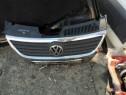 Grila Bara Fata VW Passat B6 1.9 TDI 2006