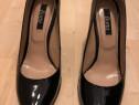 Pantofi piele lacuita cu toc ascutiti