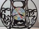 Ceasuri ANTIORAR lucrate manual din discuri de vinil