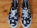 Vans Era tropical print in black and white unisex, 45