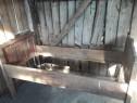 Paturi de lemn vechi